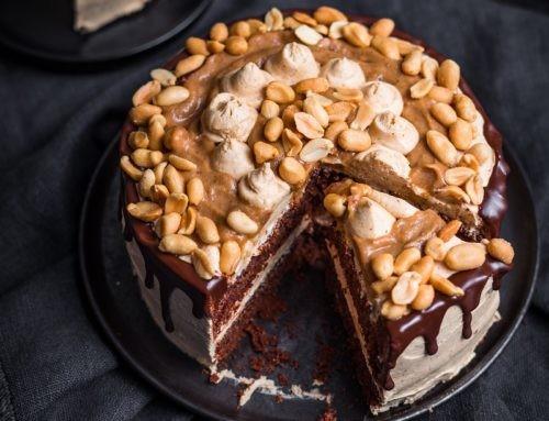 Snickers Torte – vegan und ohne Zucker